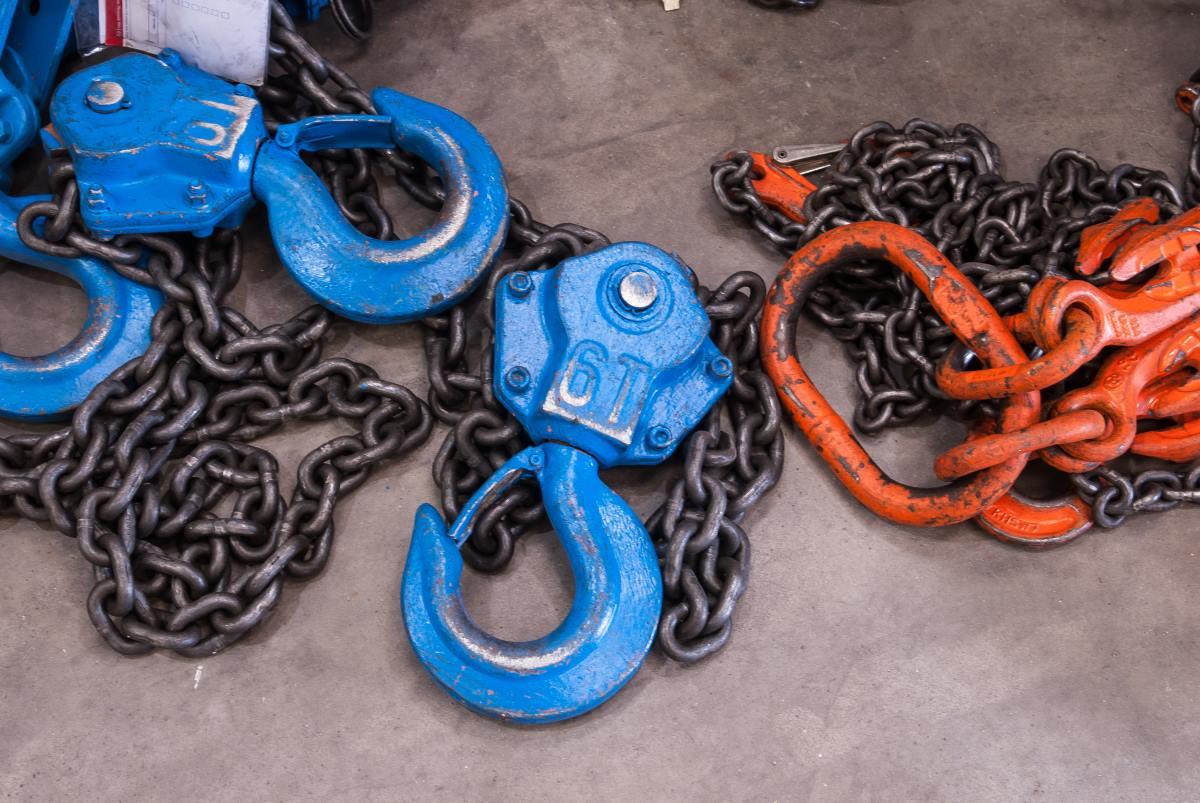 rj lift iton lift chain and hooks