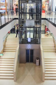 glass lift in of shopping mall