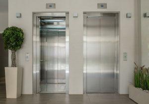 lift door open one lift door closed